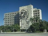 Close up of the Ministry of the Interior and Che Guevara mural.Plaza