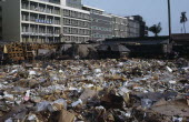 Rubbish dump in centre of modern city.African Center Ecology Entorno Environmental Environnement Green Issues Nigerian Western Africa