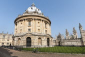England, Oxfordshire, Oxford, The Radcliffe Camera, built by James Gibbs between 1737 and 1749 forms part of Oxford University's Bodleian Library, one of the oldest libraries in Europe and second larg...