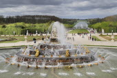 France, Ile de France, Versailles, Latona Fountain and view of the gardens.