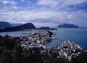 Norway, More og Romsdal, Alesund, View over town from mountain lodge of Fjellstua.