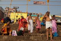India, Uttar Pradesh, Varanasi, Pilgrims at Kedar Ghat.