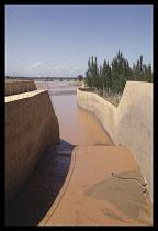 China, Ningxia, Qingtongxia, Dam spillway on the Yellow river.